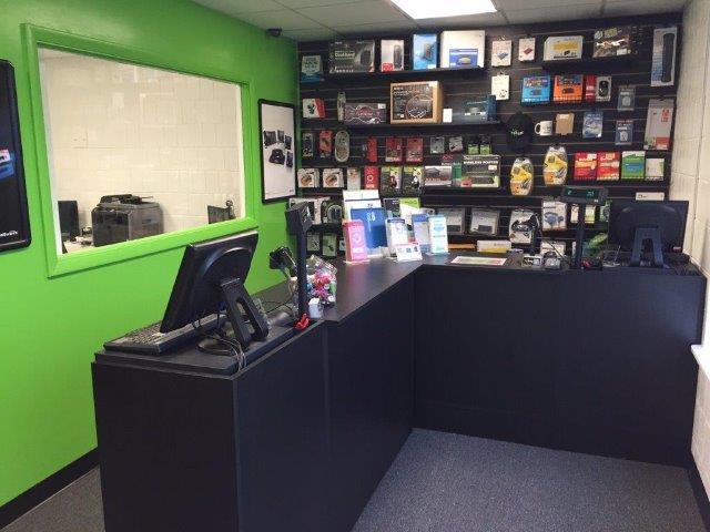 Computer Store Peoria IL - TEKEASE - 1915 W Altorer Drive Peoria IL